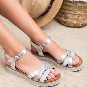 03ab9e1e7b9 BESTELLE дамски ниски сандали с каишки ...